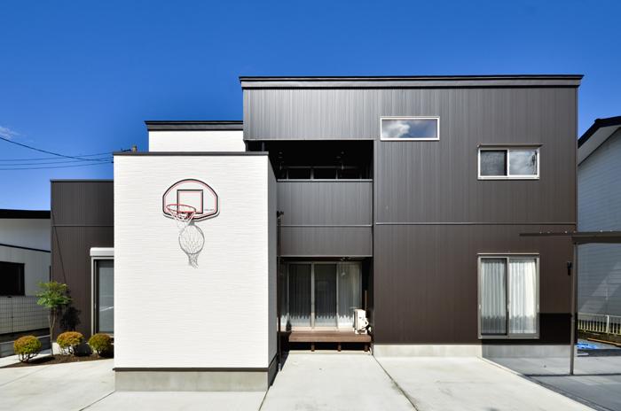 2世帯で暮らす豊かで楽しい家の写真
