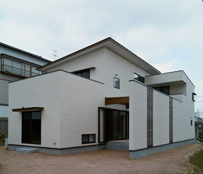 長府羽衣の家