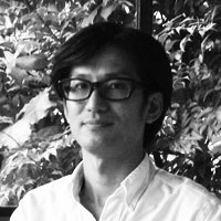 山崎康弘の写真