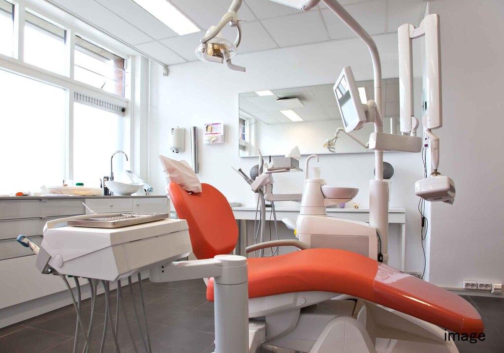 歯科医院の円滑な事業承継のポイント 親子承継&他人承継のイメージ