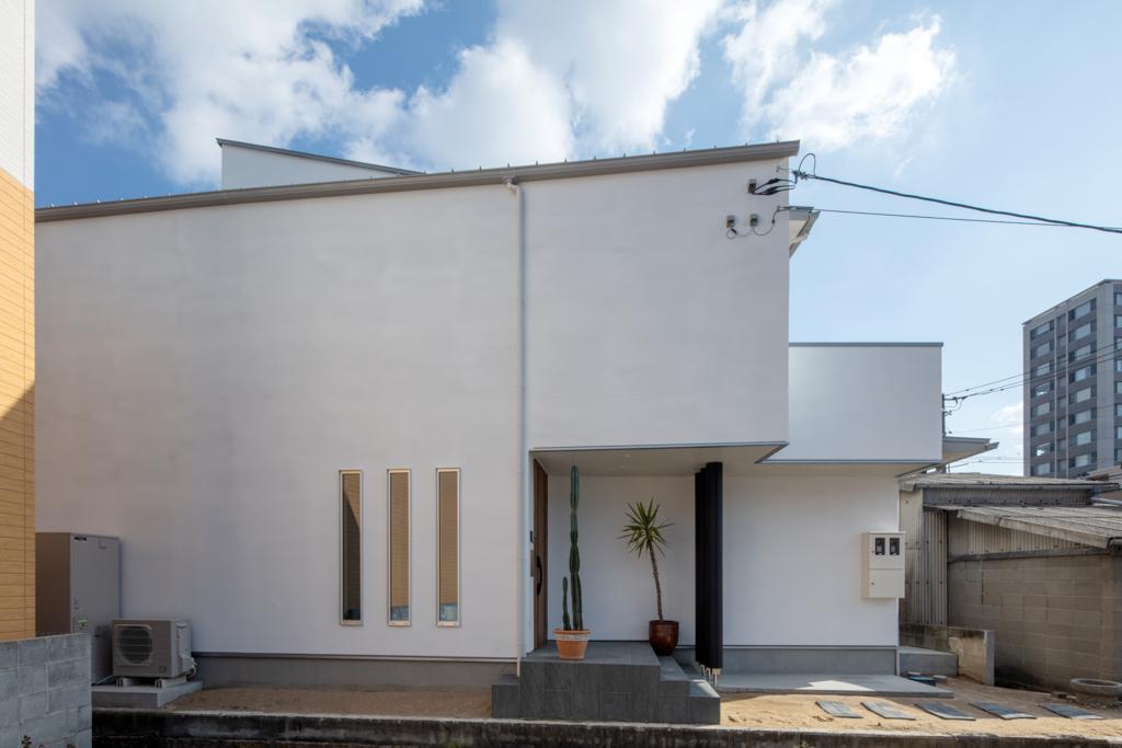 密集地に建つ二世帯住宅