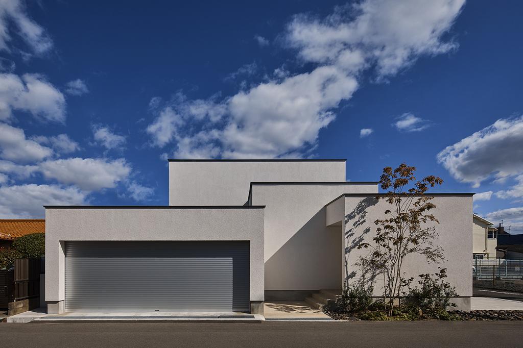 建築家とハウスメーカーとの家づくりの違いのイメージ